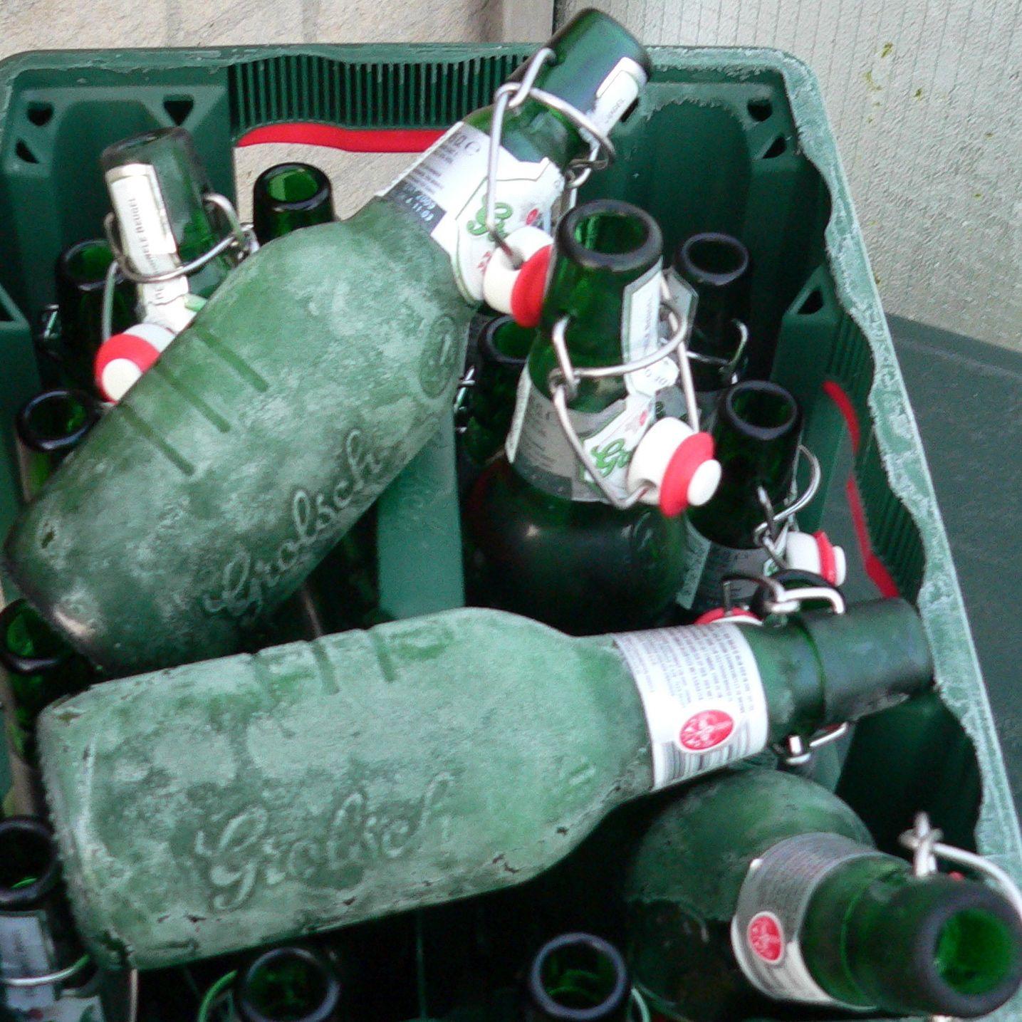 Pfandringe um die Mülltonnen – Pfand gehört daneben