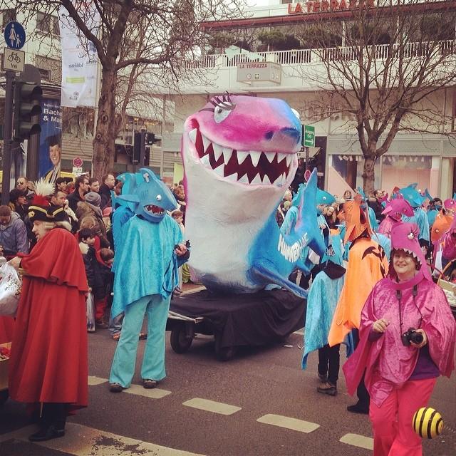 Hammer(Hai) Kostüme beim Kinderkarneval in Düsseldorf :-)
