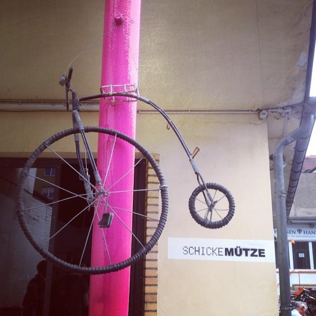 'Schicke Mütze' die perfekte Mischung aus Fahrrad-Werkstatt und Café und Laden :-)