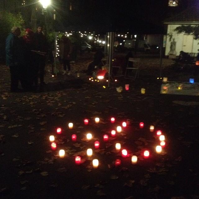 Friedensmahnwache auf dem Friedensplätzchen (irgendwie konsequent) :-)