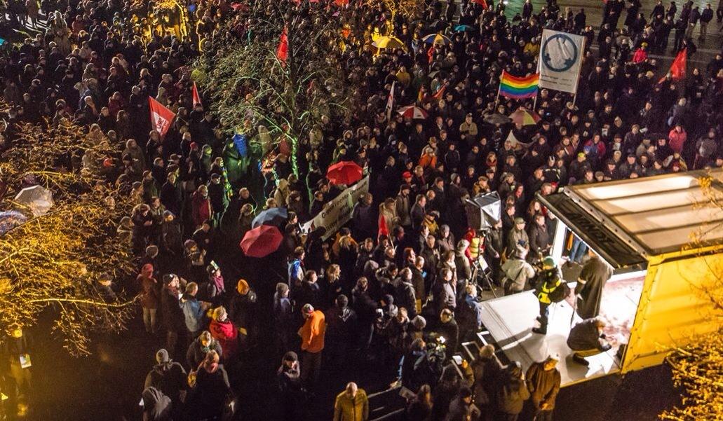 Am 12. Januar lautet das Motto wieder: #NoDÜGIDA !