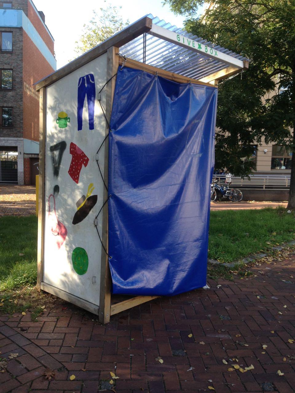 Leider scheint die nächste Givebox in Düsseldorf angezündet worden zu sein…
