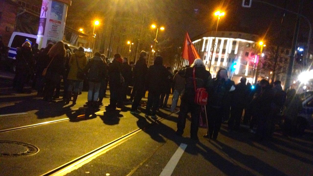 Die Nazis kommen nach Düsseldorf. Wir stellen uns quer!