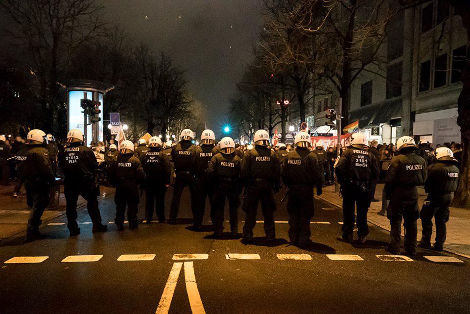 Polizei-Aufgebot bei einer Dügida-Demo
