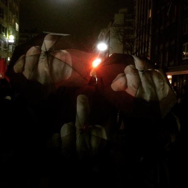 Rassisten stoppen – Solidarität mit Flüchtlingen!