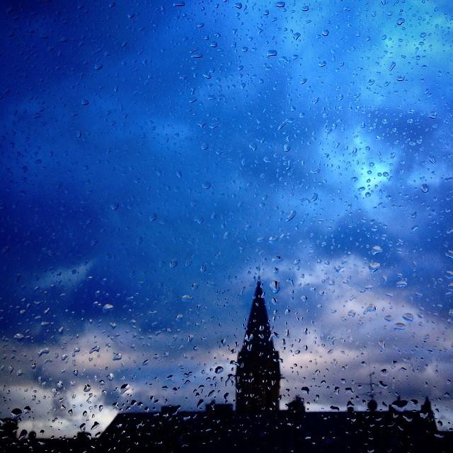 Heute wird einem wieder alles geboten - Wind, Sturm, Regen und Wolkenspielereien.