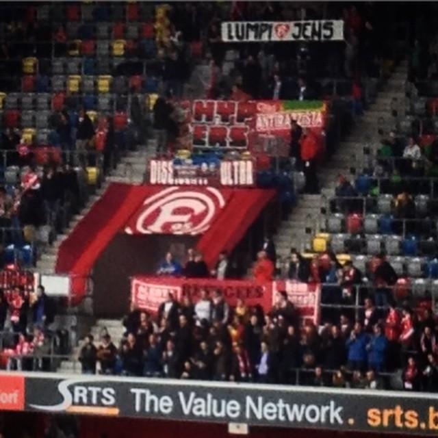 Danke #Lumpi. Danke #Jens. Fortuna Fans bedanken sich überall im Stadion bei unseren beiden Jungs!