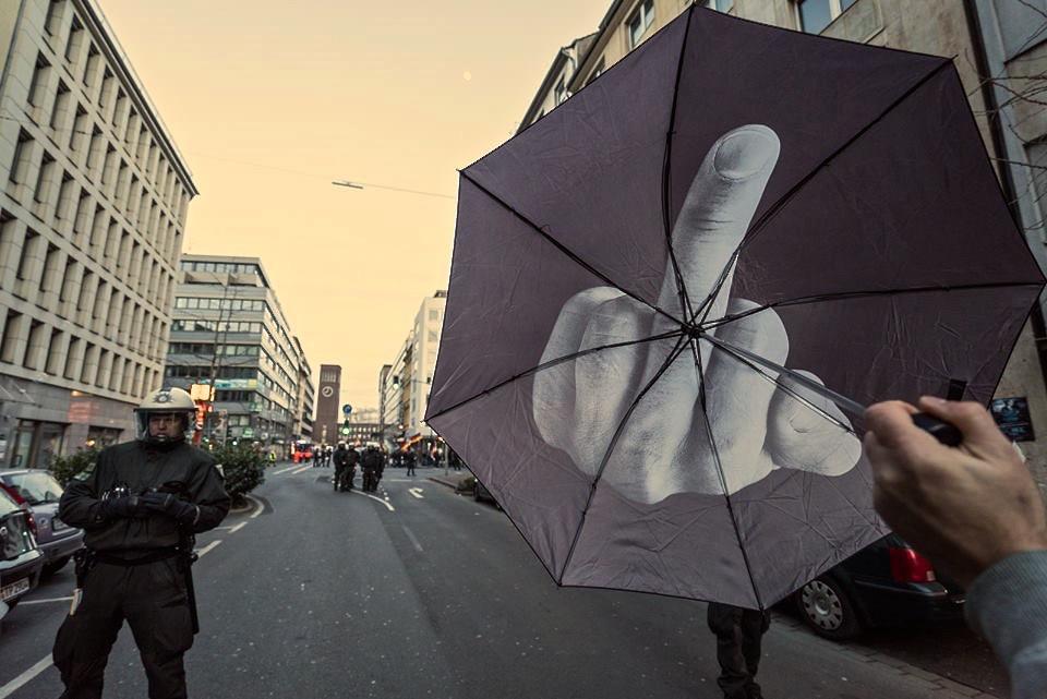 Regenschirme sind nicht nur praktische Modeaccessoires…