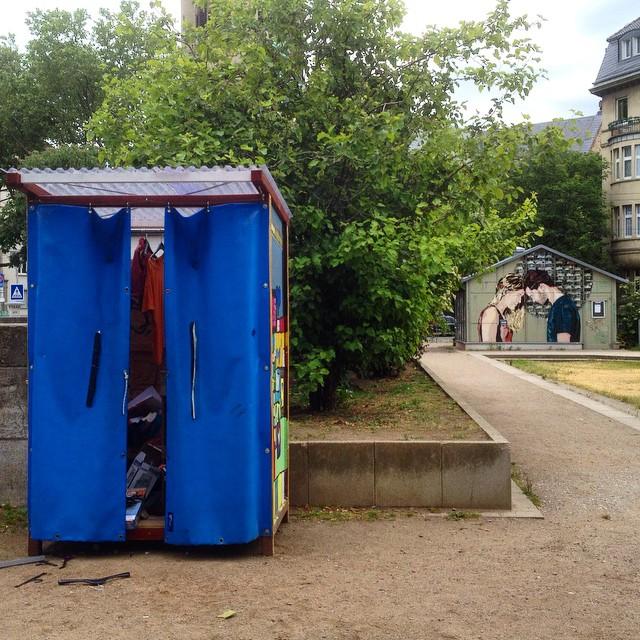 Standortwechseldich bei den Giveboxen in der Stadt