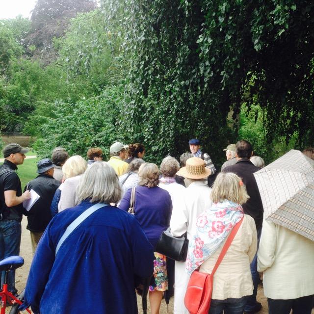 Führung des Gartenamtes durch den Florapark