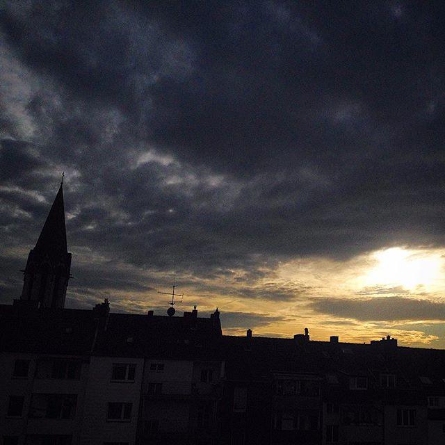 Es gibt so Tage, da passt die Lichtstimmung zur Laune... #latergram