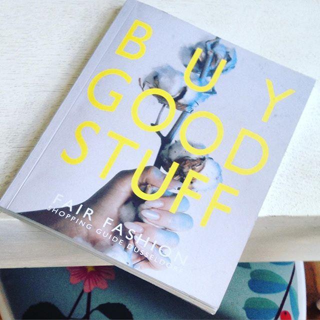 """""""Buy good stuff"""" Eine interessante Lektüre - quasi ein Einkaufshilfe für alle die in Düsseldorf nachhaltig einkaufen wollen :-) Hab ich von einer lieben Nachbarin mitgebracht bekommen - ich schau mal das ich die Links und Adresse nachreiche ..."""