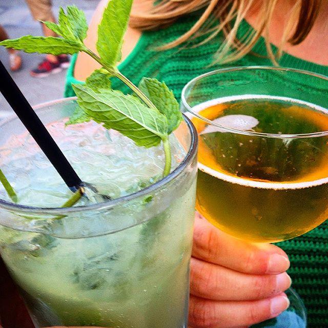 Sommerstimmung auf dem Frankreichfest - da kann man doch nur kühlen Cidre oder erfrischenden Absinth mit GingerAle trinken oder auch seinen eigenen mitgebrachten Wein auf der Wiese am Apollo verkosten ;-)