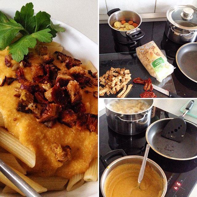 So. Dann gibt es halt Nudeln mit einer Soße aus Kartoffeln, Karotte und Sojamilch :-) #kochenohneknochen #kochenmachtspass