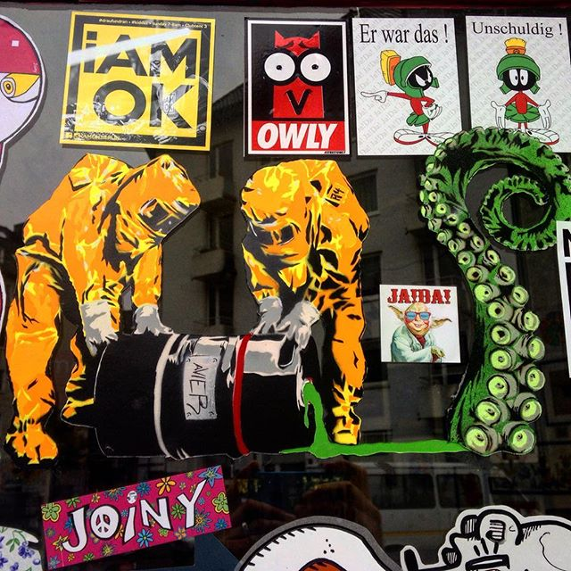 Ausschnitt aus der Stickerparade an der Brause – Metzgerei Schnitzel :-)