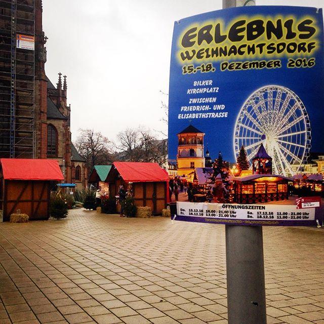 Weihnachtsmarkt auf dem Kirchplatz