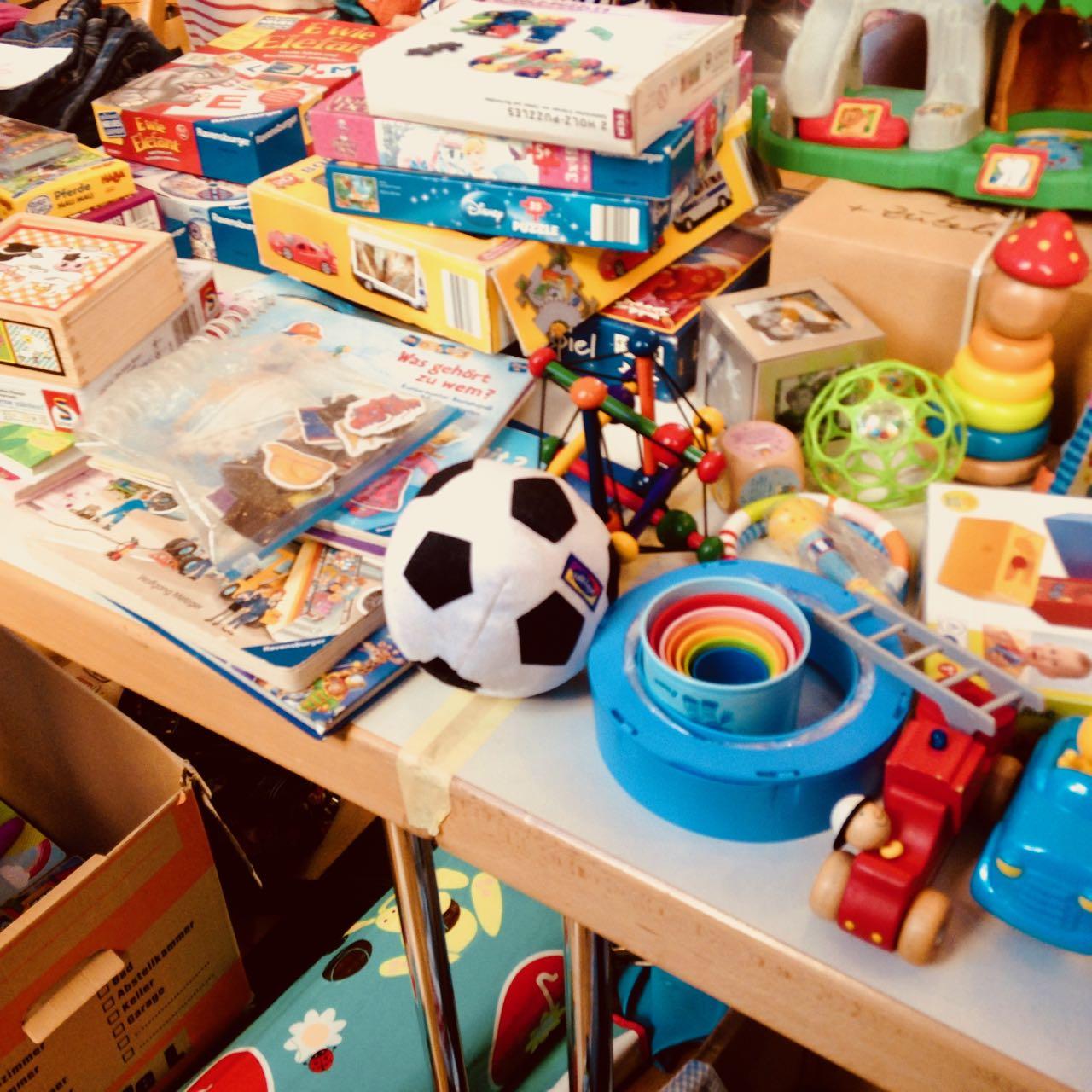 Kindersachenbörsen im Salzmannbau